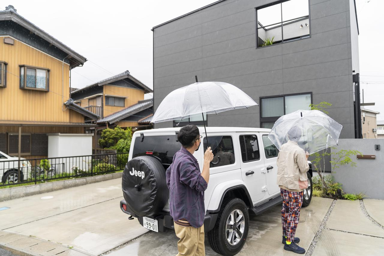 画像: Photographer 吉田 達史 到着した時はあいにくの雨模様
