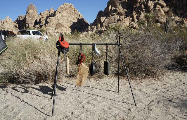 画像: 【キャンプ収納】「ハンギングラック」は見せるおしゃれ収納!ずぼらさんにおすすめしたい整理整頓ギア! - ハピキャン(HAPPY CAMPER)