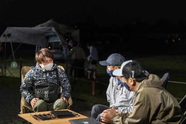 画像: photographer 吉田 達史 左からDOD緒方さん、おぎやはぎ矢作さん、小木さん