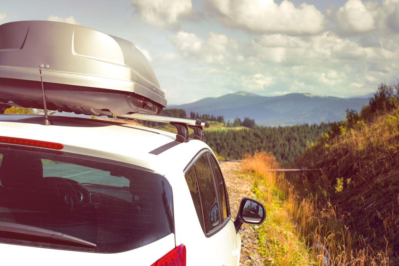 画像: キャンプの荷物を車載! ルーフキャリア・ラック&ボックスの選び方とおすすめ5選 - ハピキャン(HAPPY CAMPER)