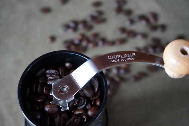 画像: 筆者撮影 「ユニフレーム UFコーヒーミル」毎日使っても壊れる気配がありません