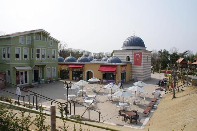 画像: 筆者撮影 リトルワールド内のトルコエリア