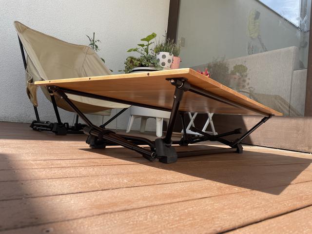 画像: 筆者撮影:こんなに低い高さのテーブルは今まで持っていなかった!!