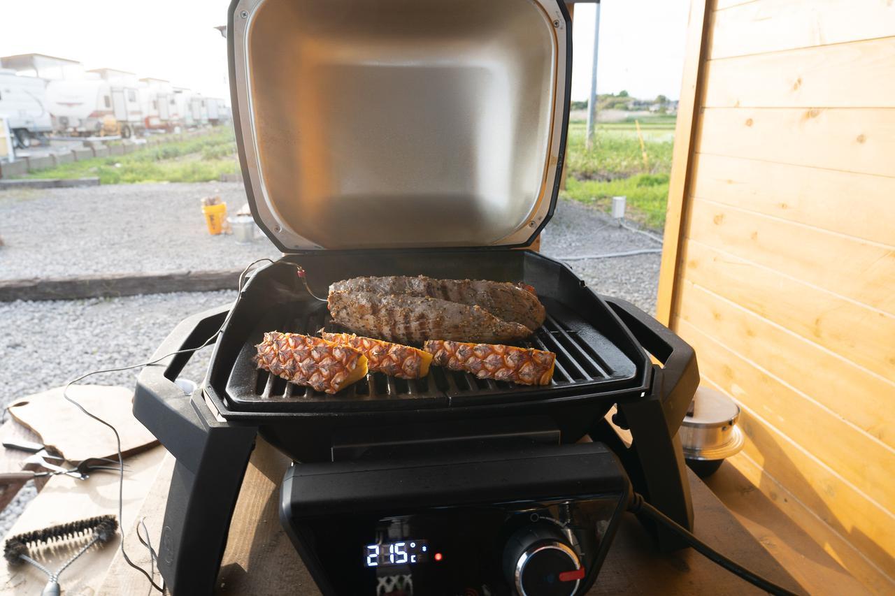 画像: 筆者撮影 ウッドデッキやテラス、自宅のバルコニーで調理が可能