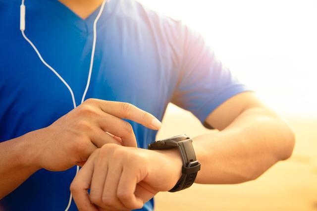 画像: スマートウォッチって何? 腕時計×ウェアラブル端末