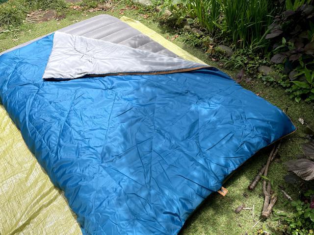 画像1: 【初夏〜秋の寝袋】デカトロン QUECHUA (ケシュア) 洗えるシュラフ ARPENAZ 20℃はキャンプデビューにオススメ!