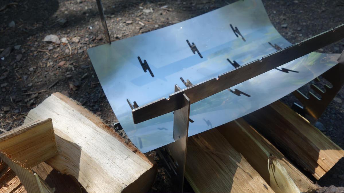 画像4: ソロキャンプ調理にも便利!わずか700gの超小型焚き火台「ZEN PIT」レビュー