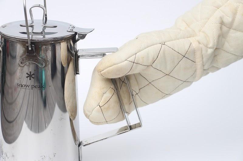 画像: 筆者撮影 耐熱グローブやミトンでもつかみやすい!