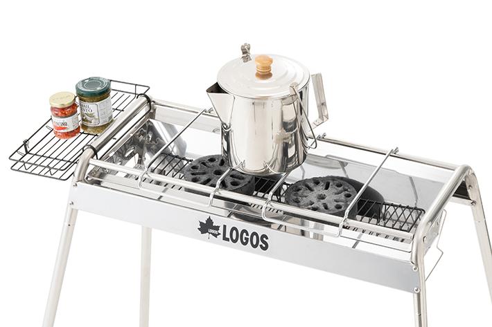 画像: ロゴスショップ公式オンライン店より 小さい鍋やケトルは、2つのゴトクを跨ぐように載せます。