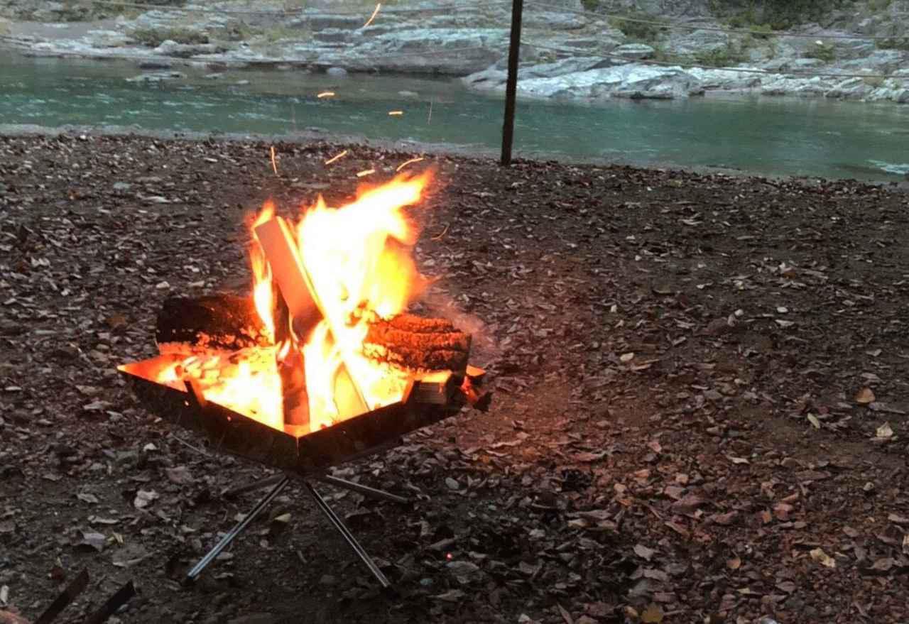 画像: 焚火台デビューに最適! ユニフレーム・ファイアグリルのおすすめポイント5選 - ハピキャン|キャンプ・アウトドア情報メディア