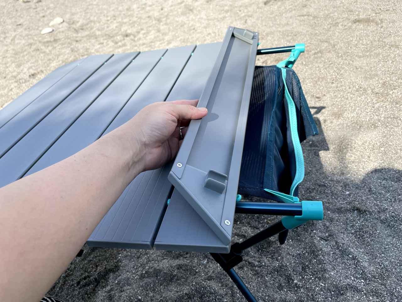 画像: 筆者撮影:天板もはめ込むだけ!