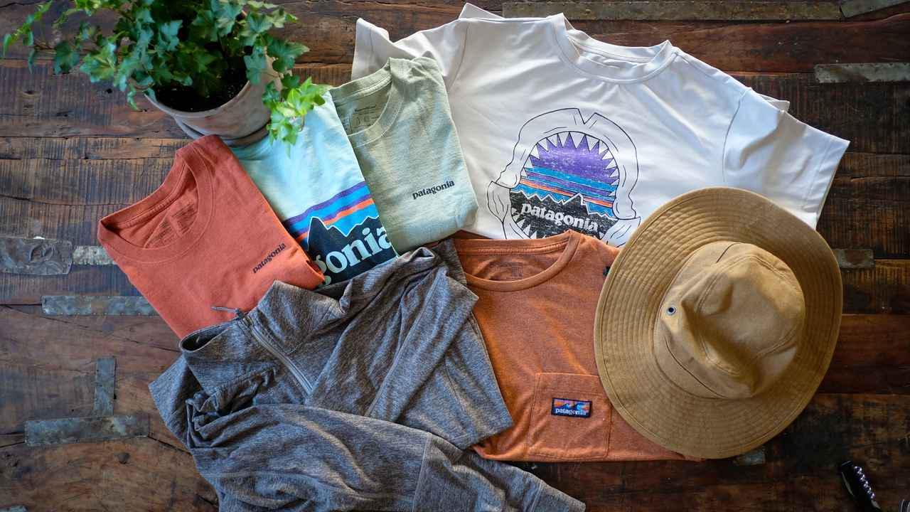 画像1: 【筆者愛用】夏に活躍するパタゴニア商品4選 ラッシュガード代わりになるアウターなどおすすめを厳選 - ハピキャン|キャンプ・アウトドア情報メディア