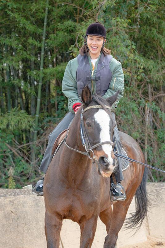画像1: さっそく乗馬体験へ