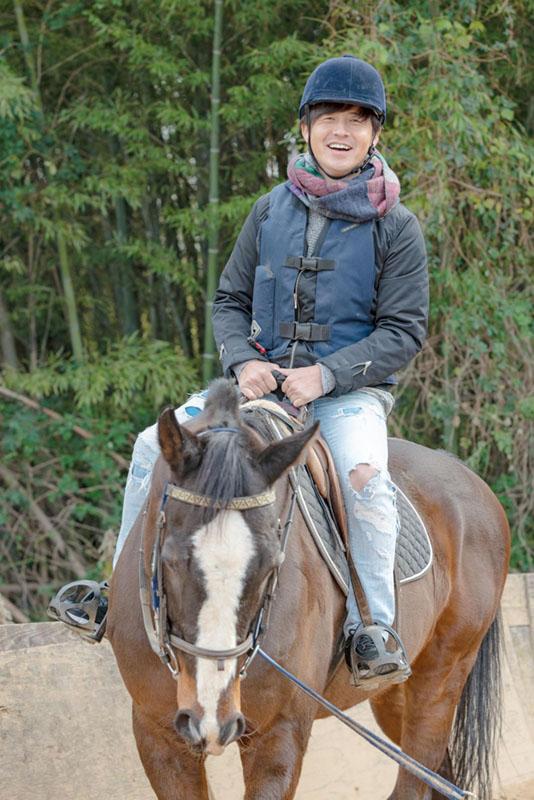 画像2: さっそく乗馬体験へ