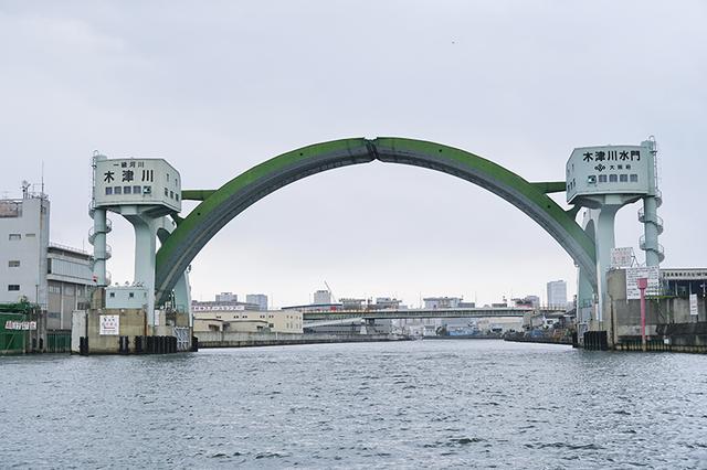 画像2: ガイドをしてもらいつつ大阪の街をクルーズ!