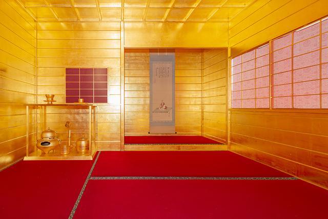 画像: 5/6までの期間限定「黄金の茶室がやってきた」!