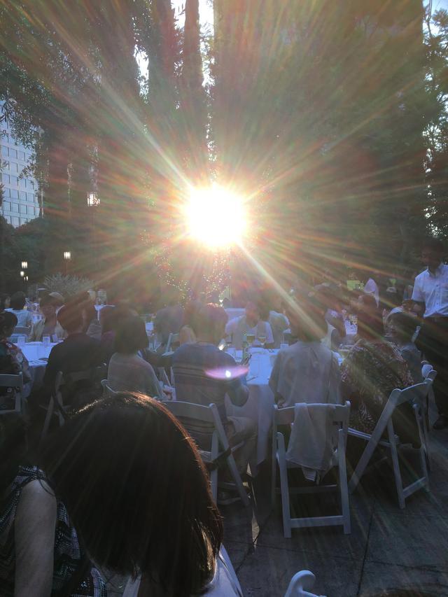 画像: バシャールと会った時のロサンゼルスの光。上空にはバシャールのUFOが滞空しているそうです