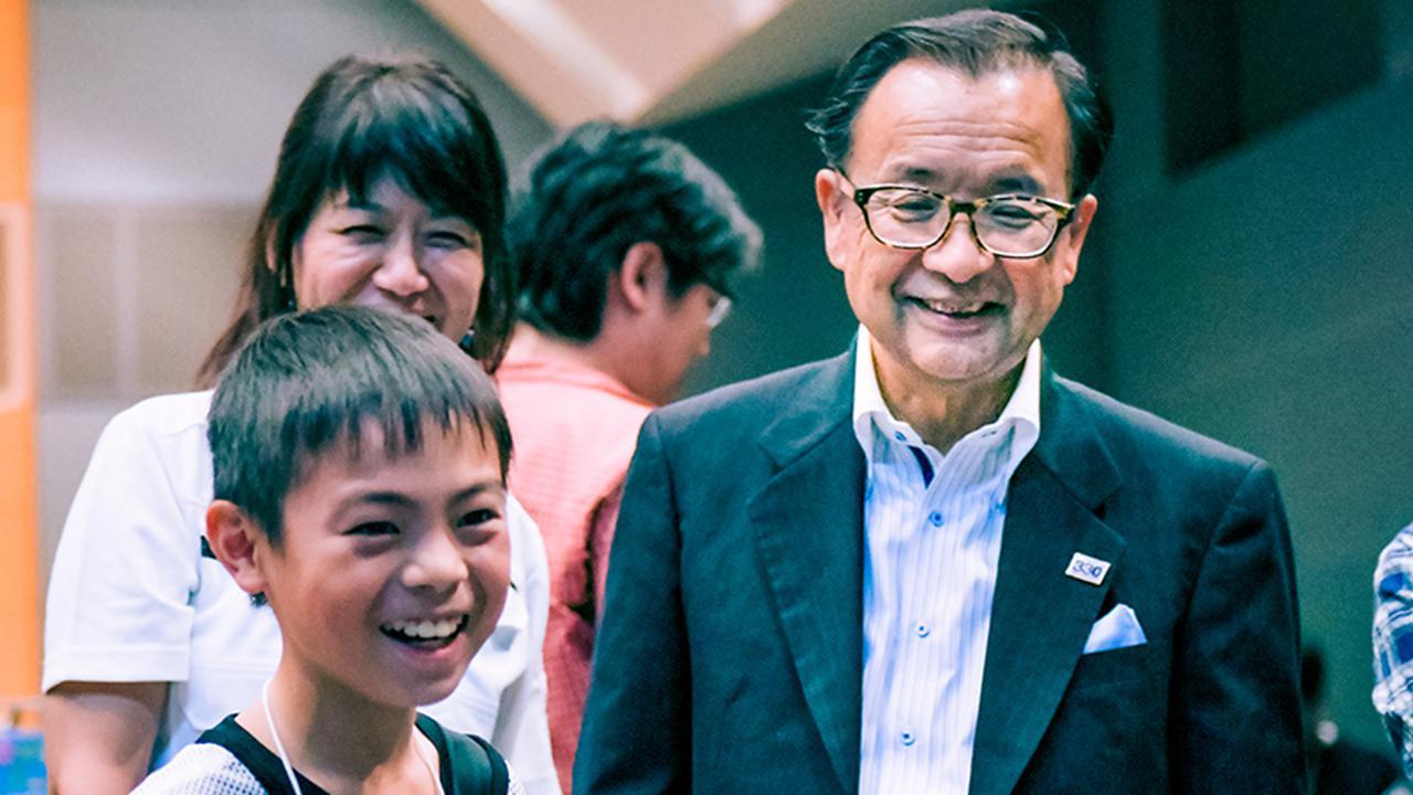 画像: 大垣市長の小川敏さん(写真右)