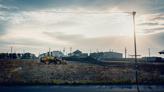 画像: 沿岸部にも家は建ち始めているが、爪痕はまだ残っている