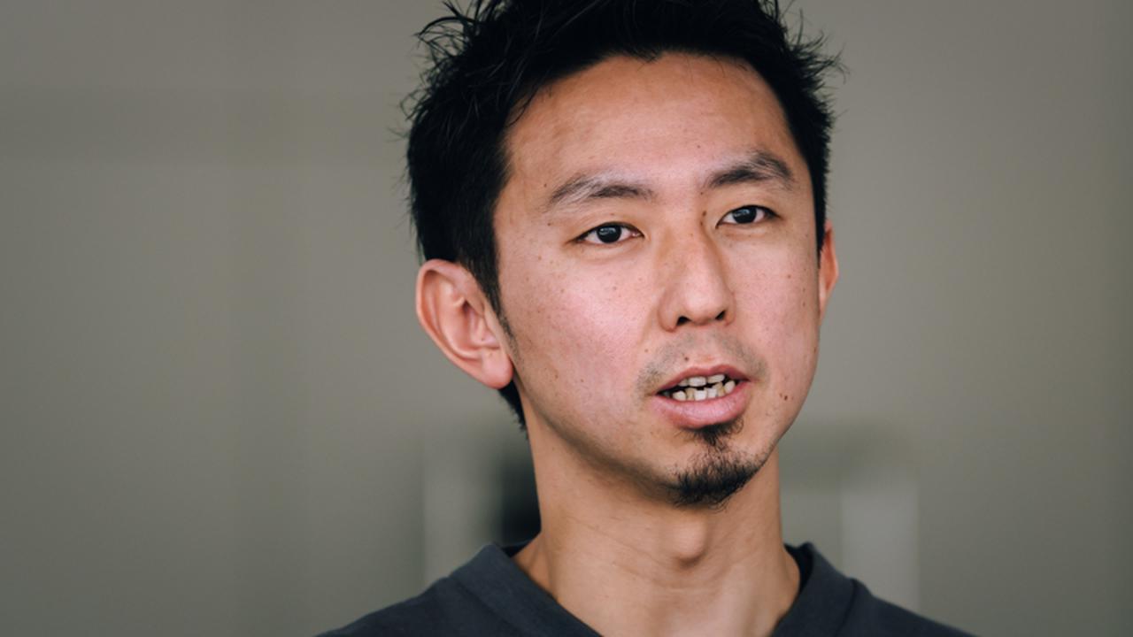 画像: 齋藤孝太さん。デサント社みらい製品開発課課長
