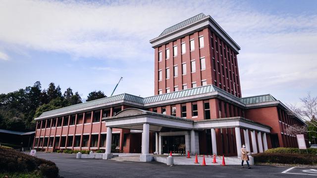 画像: 滋賀県工業技術総合センター。滋賀県は琵琶湖を擁し、北陸・中部・京阪神を結ぶ交通の要衝として発展してきた
