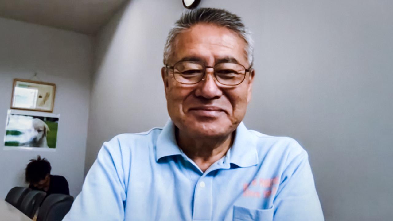 """画像: アイメイト協会代表理事の塩屋隆男さん。「エゴが広がることを懸念している」と""""コロナ後""""の社会について語る"""