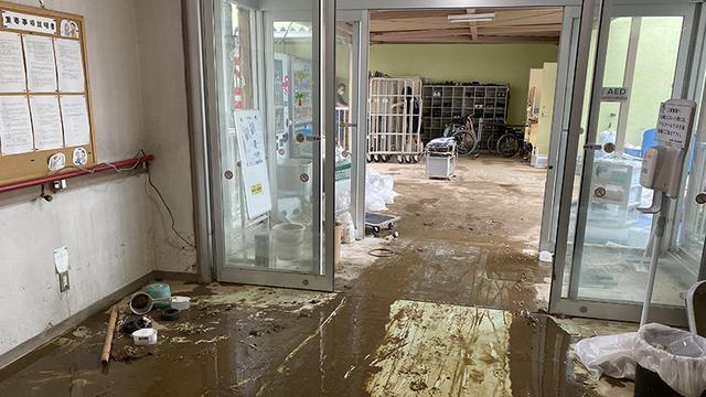 画像: 被災した陽光園の入り口(2019年10月14日撮影、愛光園提供)
