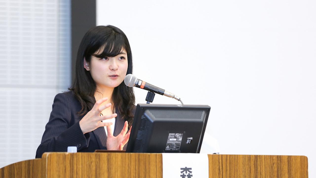 画像: 日本産科婦人科学会学術講演会での森野さん