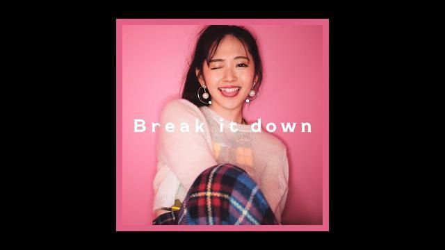 画像: 鈴木愛理『Break it down』(Music Video) www.youtube.com