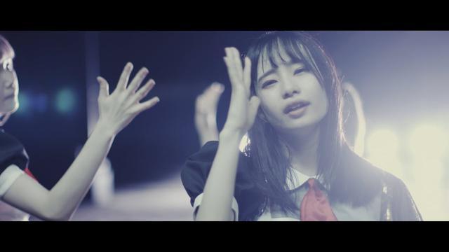 画像: 「はなはなはなび」MV 【あっとせぶんてぃーん】 www.youtube.com