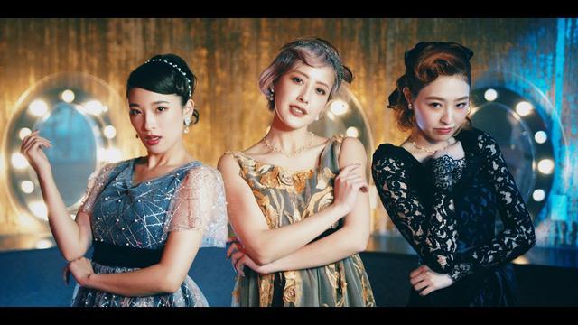 画像: PINK CRES.『ルーレット』(PINK CRES.[Roulette])(MV) www.youtube.com