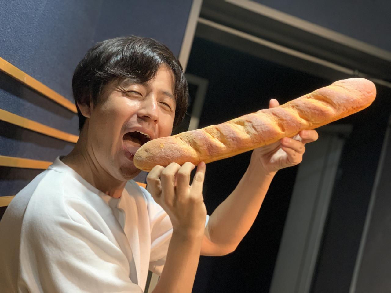 画像: ★フランスパンとUちゃん。