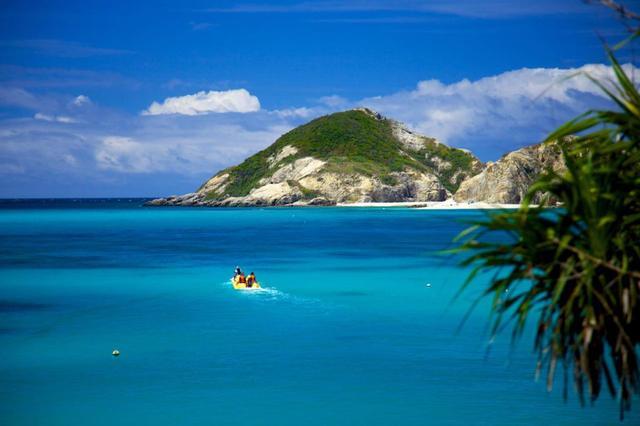 画像: 慶良間のダイビングスポットのひとつ、ハナリ島周辺