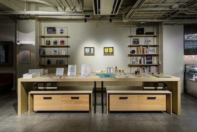 画像: ギャラリーのほかショップやレストラン・バーが併設され、宿泊客でなくとも楽しめる