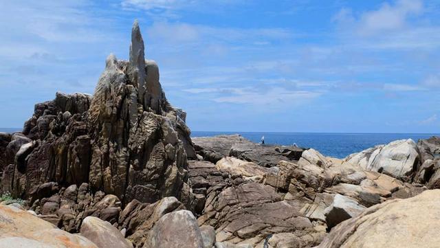 画像: ムシロ瀬の花崗岩がつくり出す個性的な風景