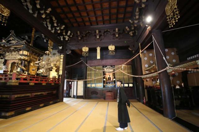画像: 浄土宗大本山 百萬遍知恩寺: 長さ100メートルの数珠と350店のフリーマーケットでにぎわう「百萬遍さん」