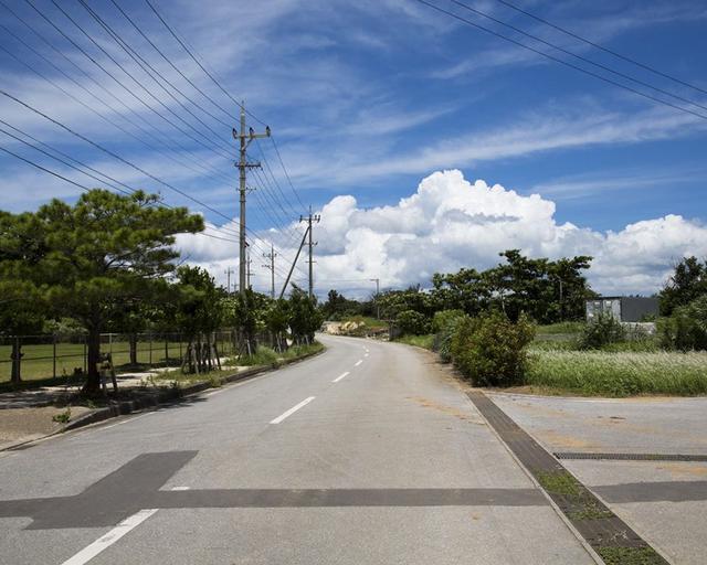 画像5: 海、空、人。移り住み6年、写真家・藤代冥砂が綴る「沖縄のあお」