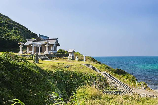 画像: 沖ノ島を拝むため、大島につくられた「遥拝所」