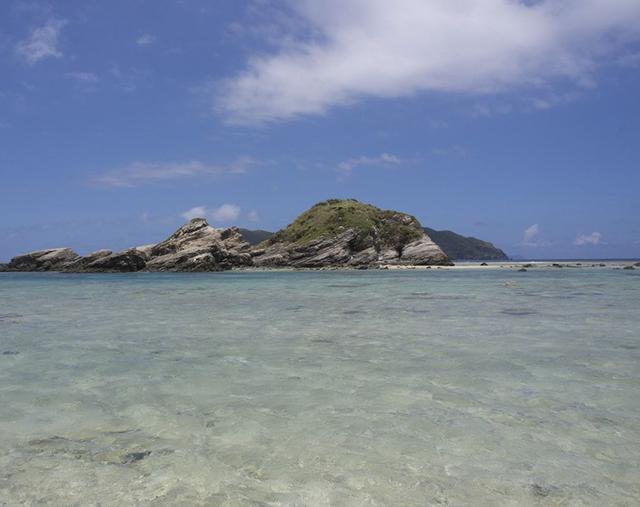 画像3: 海、空、人。移り住み6年、写真家・藤代冥砂が綴る「沖縄のあお」