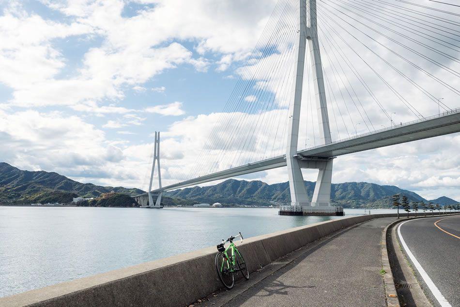 画像: ©Tetsuya Ito/Courtesy of DISCOVERLINK Setouchi 気軽にスポーツライドを楽しめるクロスバイク、本格ライドも可能なロードバイクがレンタル可能。こちらも宿泊者限定