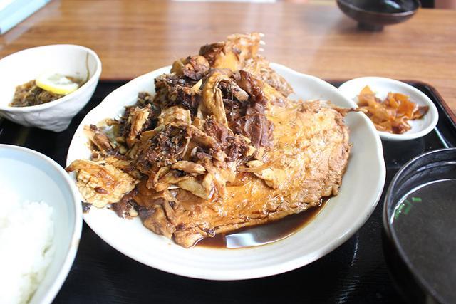 画像: ボリューム満点のアラ煮定食