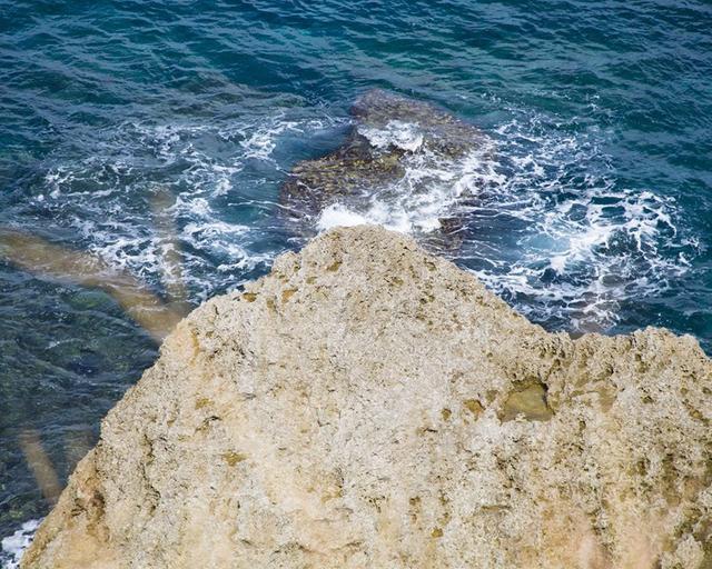 画像1: 海、空、人。移り住み6年、写真家・藤代冥砂が綴る「沖縄のあお」