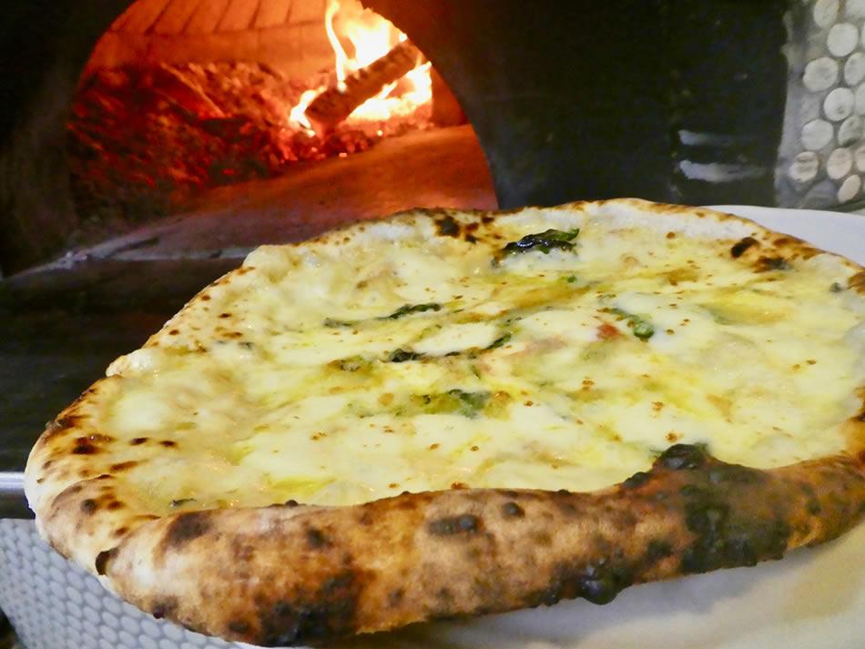 画像: ピッツァ「さらべつチーズ」