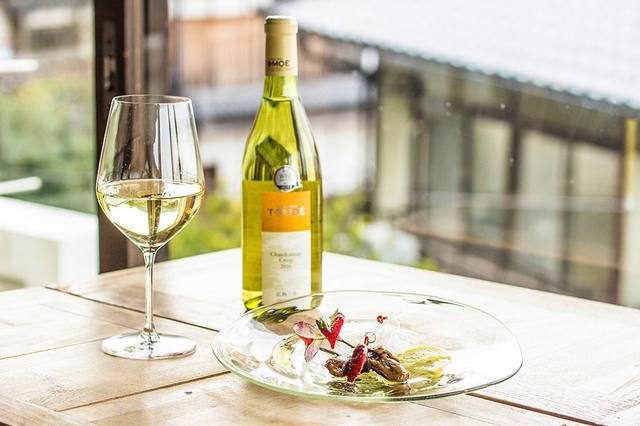 画像: 牡蠣には白ワインが一番よく合うそう