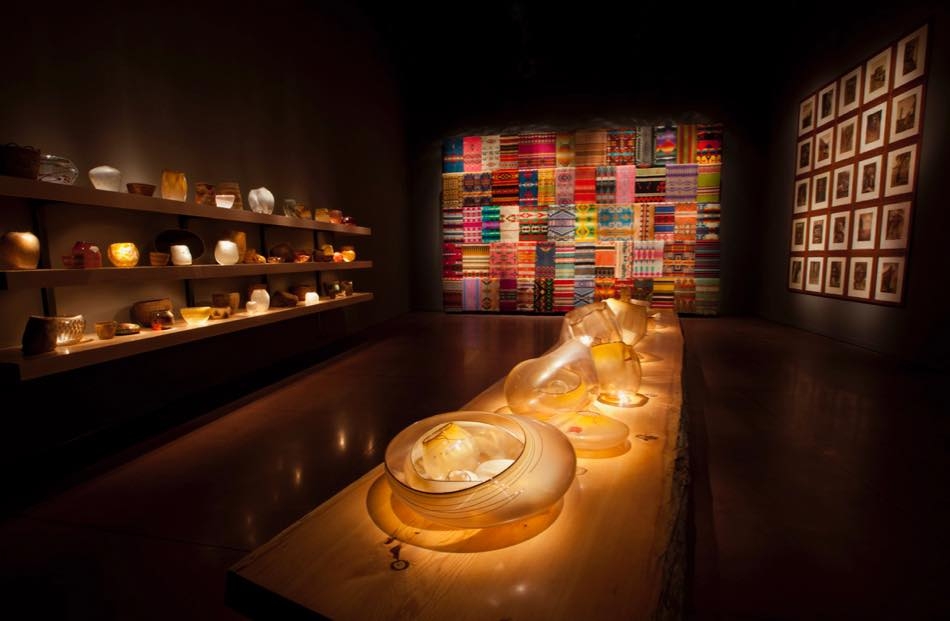 画像1: 神秘的な輝きを放つガラス工芸の作品群 © Chihuly Garden and Glass