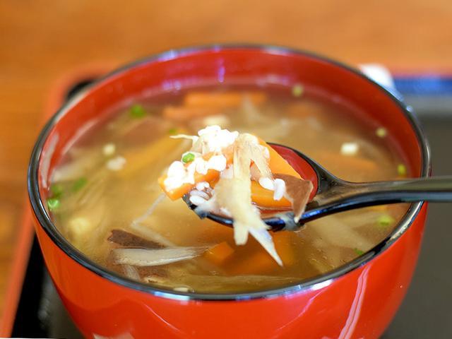 画像: だし汁で煮込まれたそば米の滋味は「茶里庵」ならではのもの