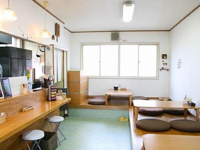 画像: カウンターや小上がりがある、こぢんまりとした店内ですが、「このくらいの広さが、やりやすいんですよ」と羽山尚之さん。