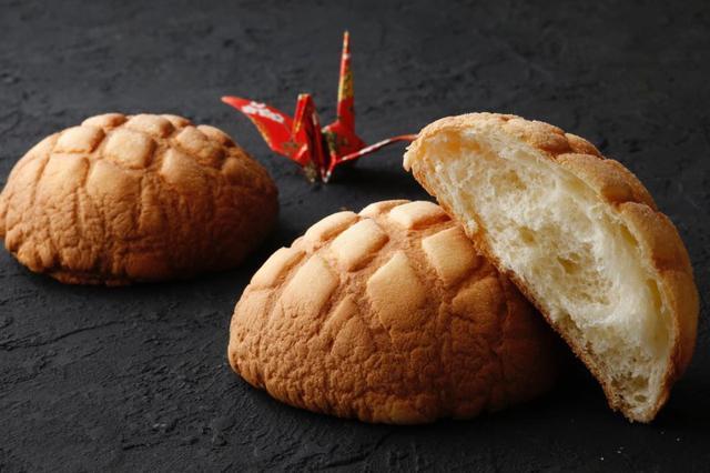 画像1: 大きくてサクサクふわふわ。唯一無二のメロンパン