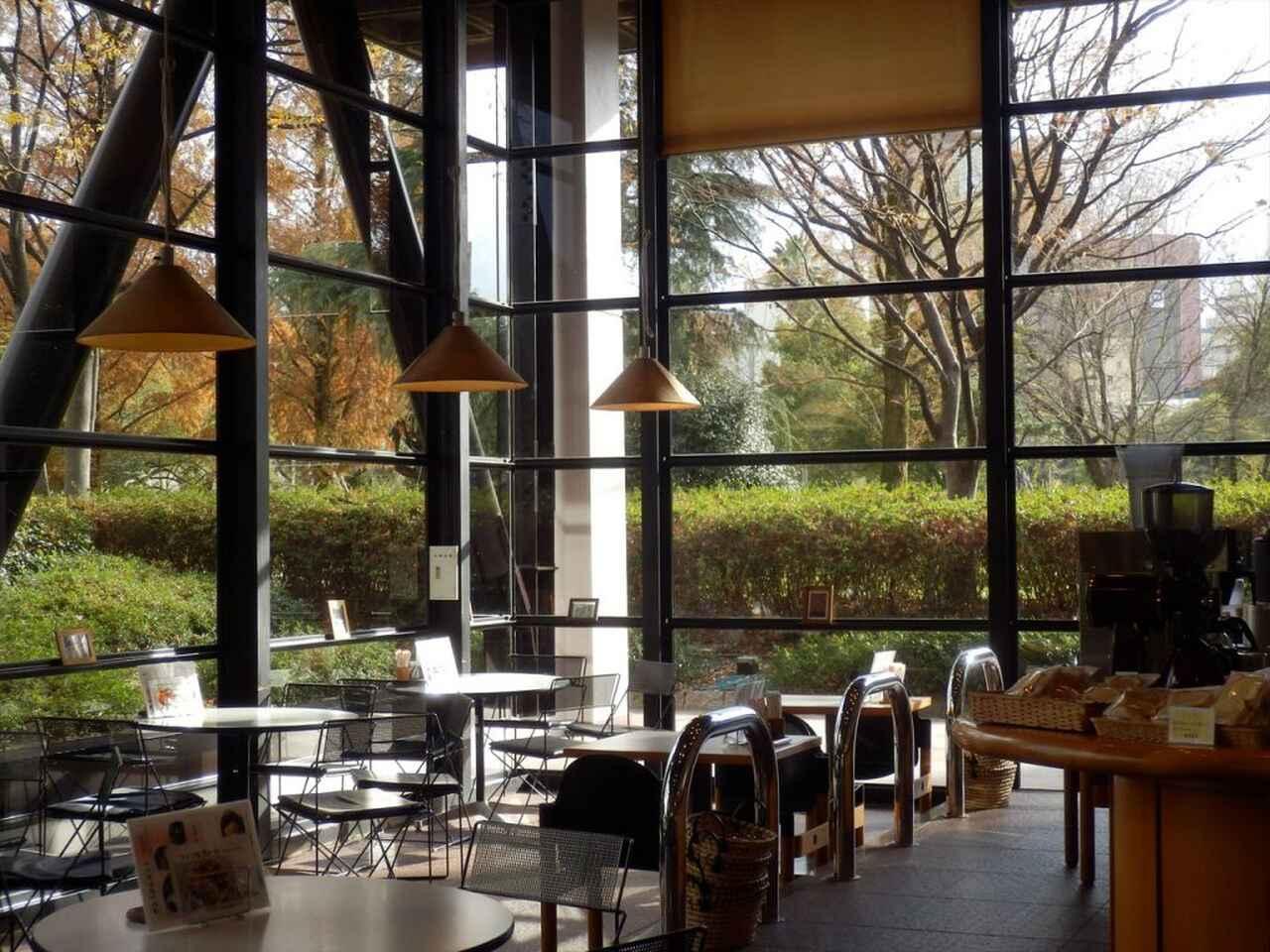 画像: 併設されたカフェテリア