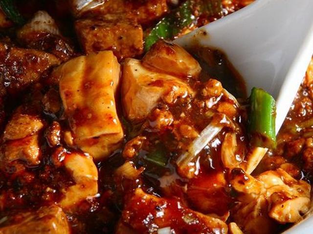 画像: 「麻婆豆腐」。これはウマい~~!!山椒オイルもラー油も自家製。絹ごし豆腐の爽やかさもいいですね。